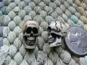 Resin skull bead 19mm