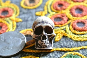 Resin skull bead 22mm Horizontal Holes
