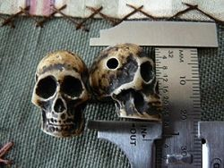 22mm resin skull bead with horizontal hole