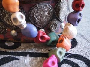 Multi-color Howlite Skull Bead Strand 14x18mm