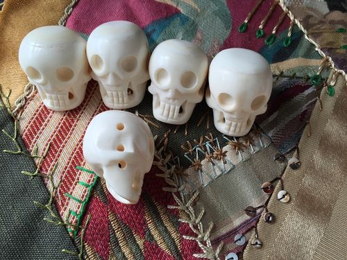 Bone 25x40mm Large White Bone Skull Bead Pendant