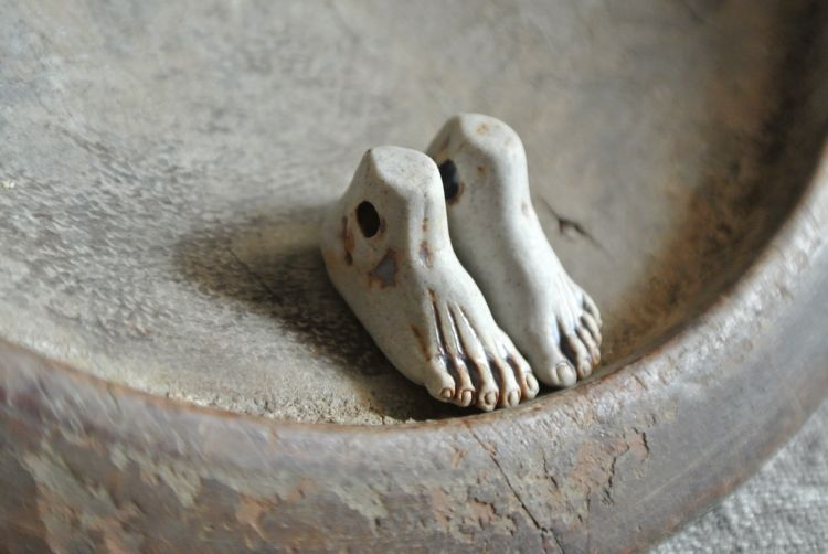 Ceramic:  Unglazed Porcelain Ceramic Feet Beads by the Pair
