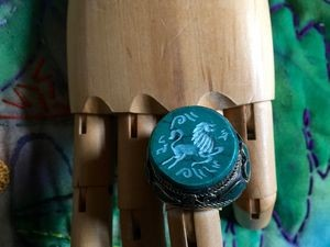 Hand-carved Tribal Malachite Kuchi Ring in Size 11