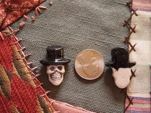 Porcelain Skull Bead with Top Hat