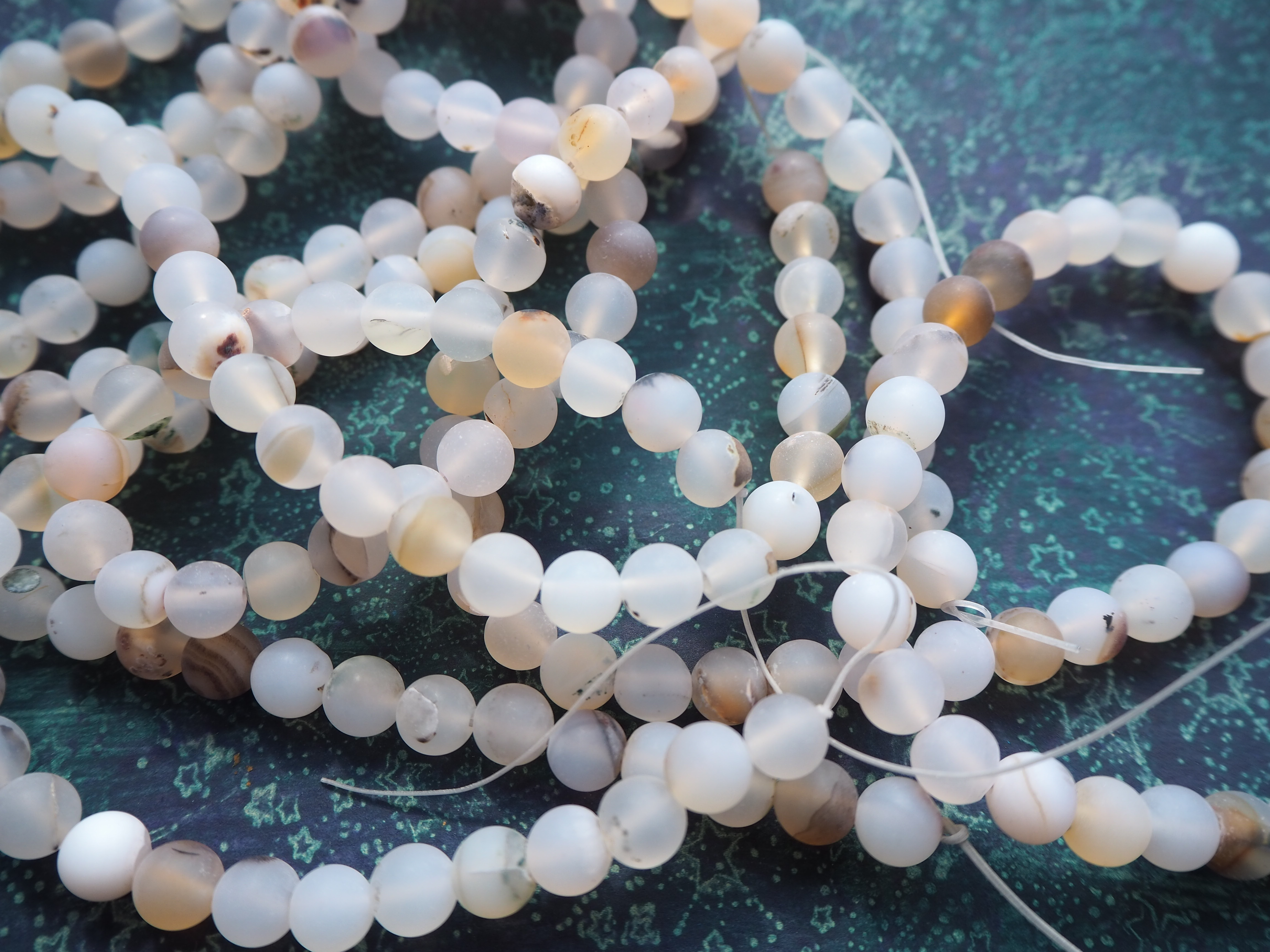 Full Strand 8mm Frosted Matte Round Montana White Agate Beads 47 Beads