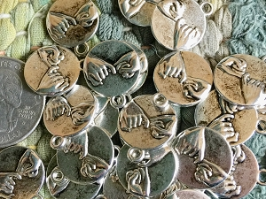 WHOLESALE Lot 25 Pcs Antique Silver PINKY SWEAR Charms 15x17.5mm