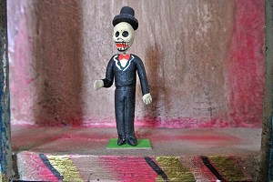 Day of the Dead Dapper Gentleman Papier Mache Figure