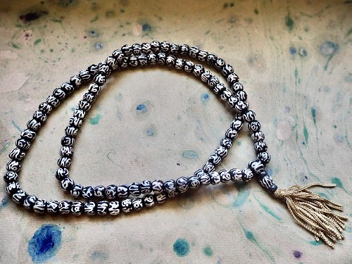 108 batik dark water buffalo bone 7x8.5mm rondelle bead Tibetan OM mala