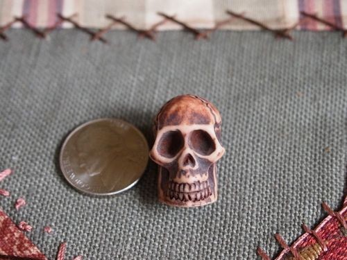 Resin skull bead 22mm with vertical holes